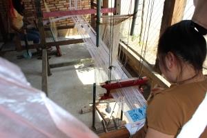 Weaving in Sam Neua